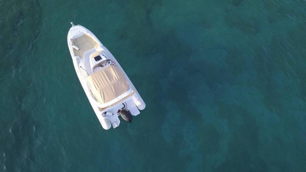 Jachthuur in Bol - Aquamax B27 Offshore via SamBoat