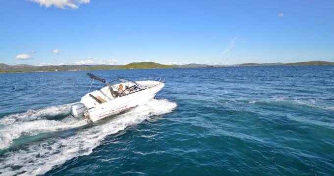 Huur Motorboot met of zonder schipper Jeanneau in Betina
