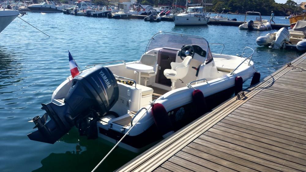 Bootverhuur Hyères goedkoop Pacific craft 570 Diamond Head