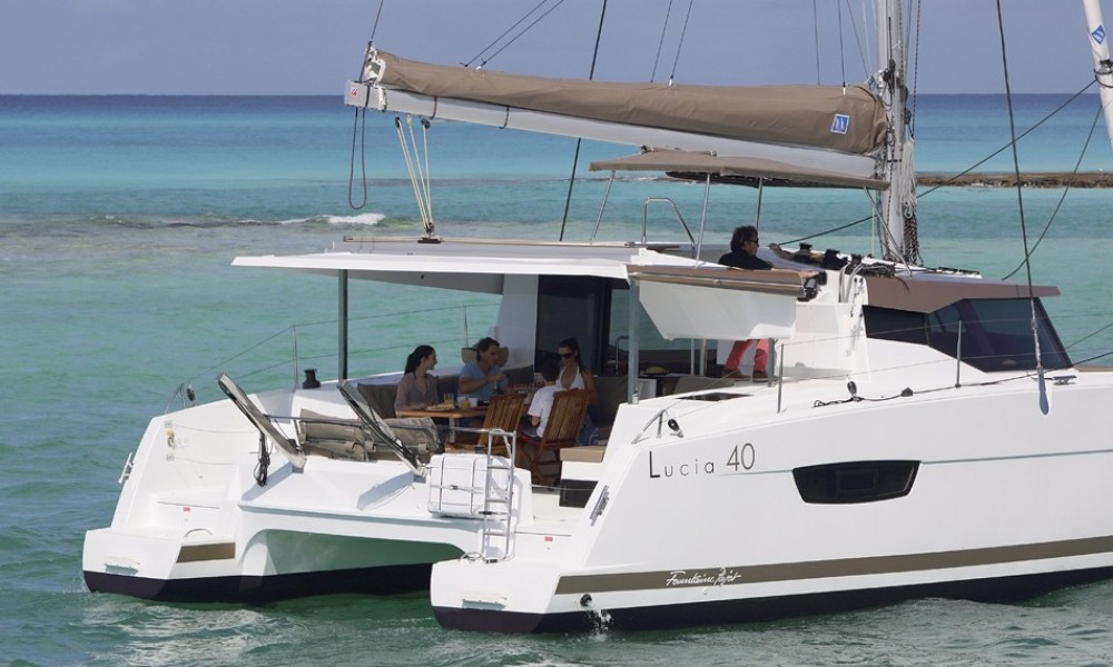 Jachthuur in  - Fountaine Pajot Lucia 40 via SamBoat
