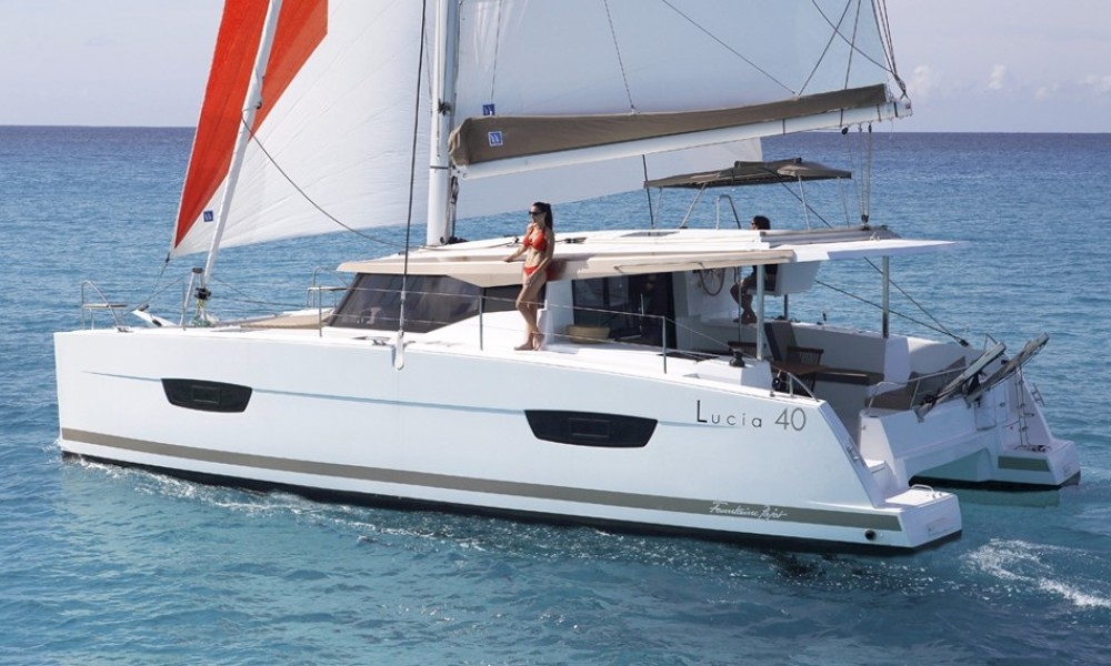 Fountaine Pajot Lucia 40 te huur van particulier of professional in