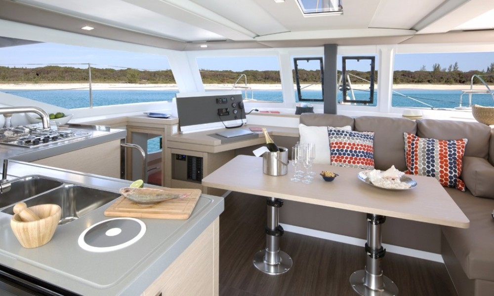 Huur een Fountaine Pajot Lucia 40 in