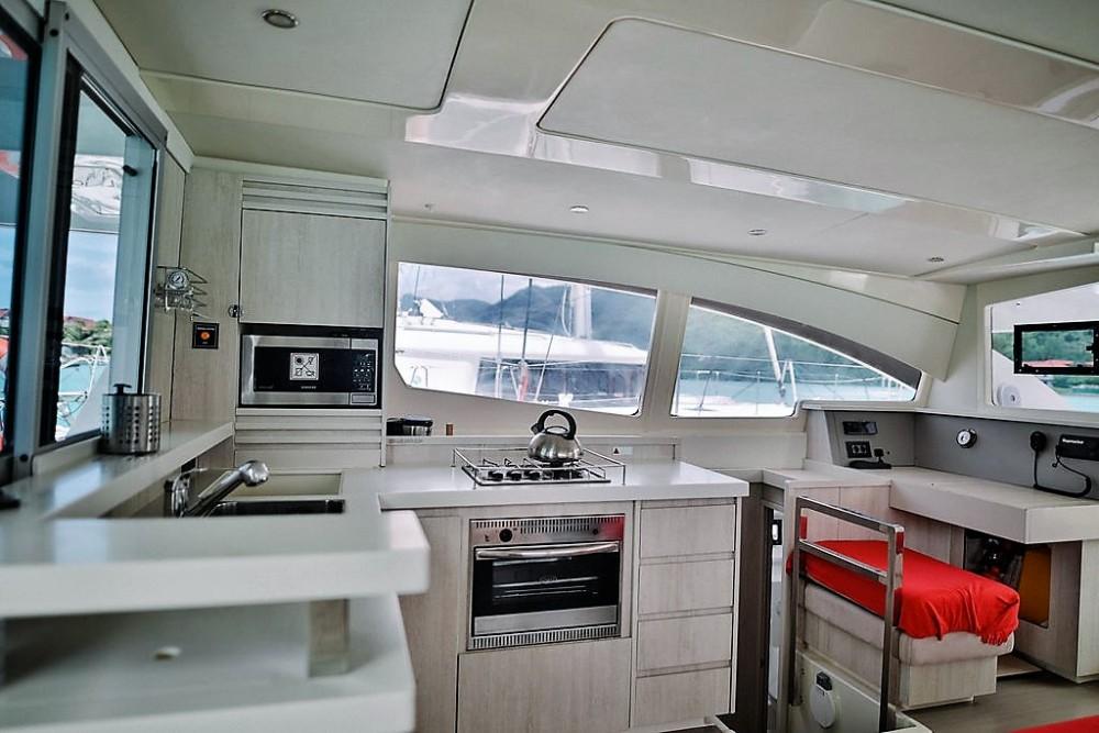 Huur Catamaran met of zonder schipper Robertson and Caine in Seychellen