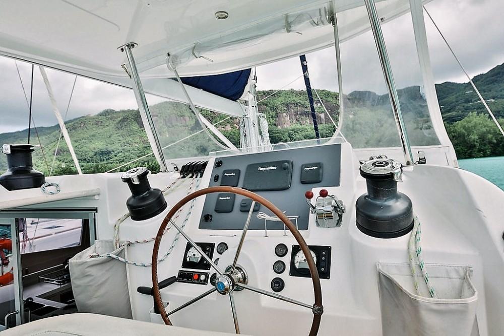 Huur Catamaran met of zonder schipper Robertson and Caine in Victoria