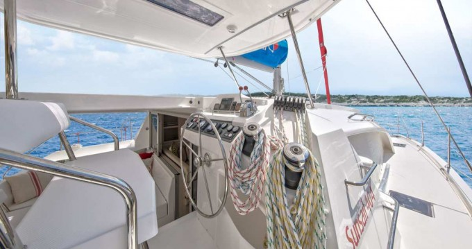 Catamaran te huur in Marina di Portorosa voor de beste prijs