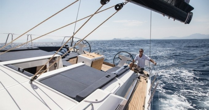 Bootverhuur Marina di Portorosa goedkoop Oceanis 51.1