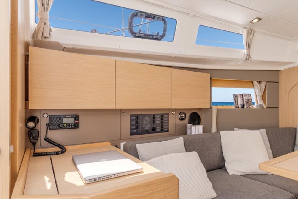Verhuur Zeilboot in Cannigione - Bénéteau Oceanis 350