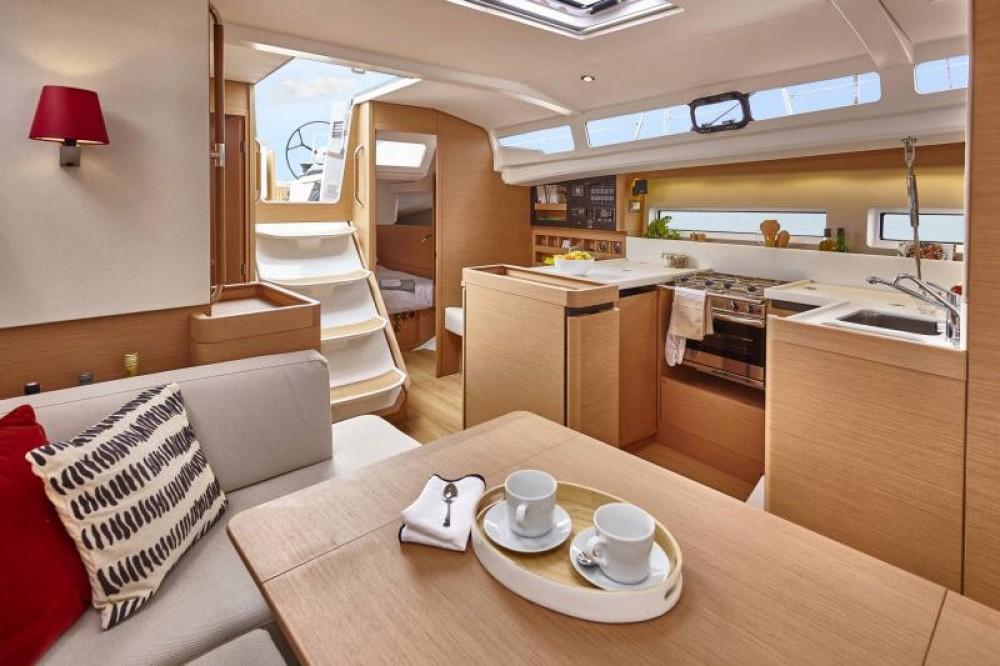 Jeanneau - Sun Odyssey Sun Odyssey 440 te huur van particulier of professional in Cannigione