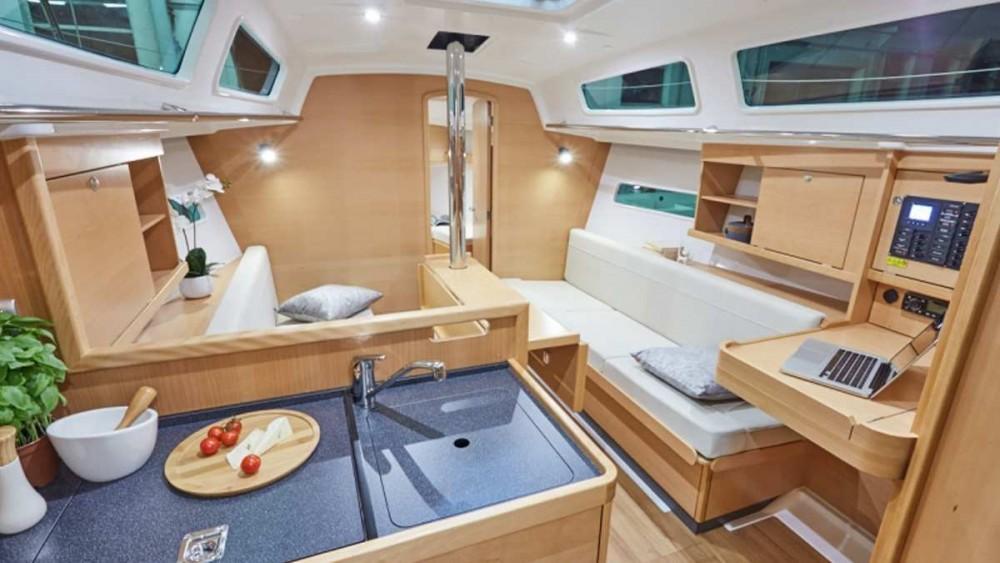 Bootverhuur Jeanneau Sun Odyssey 319 in Cannigione via SamBoat