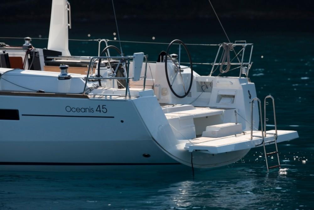 Bootverhuur Bénéteau Oceanis 45 in Cannigione via SamBoat