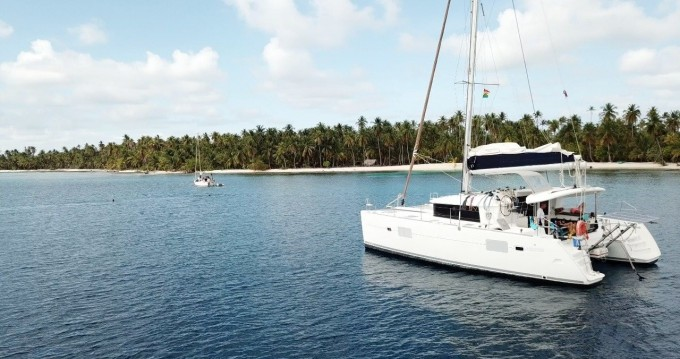 Verhuur Catamaran in Cartagena - Lagoon Lagoon 400