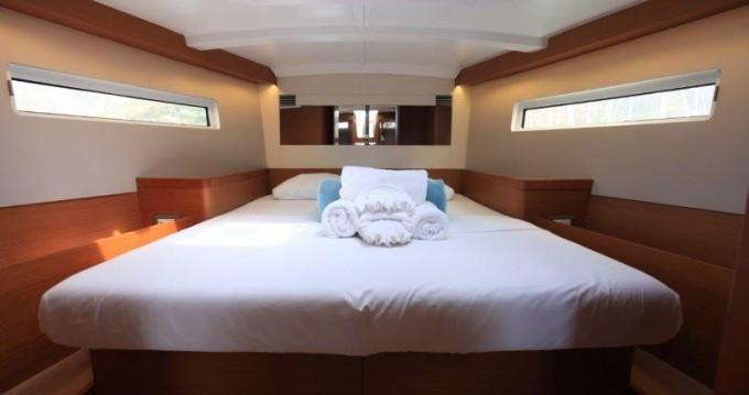Bootverhuur Jeanneau Sun Odyssey 44 in Tortola via SamBoat