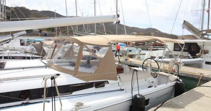 Huur een Jeanneau Sun Odyssey 44 in Tortola