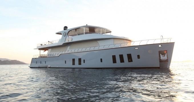 Verhuur Jacht Custom Built met vaarbewijs