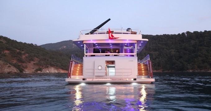 Jachthuur in Göcek - Custom Built Motor Yacht via SamBoat