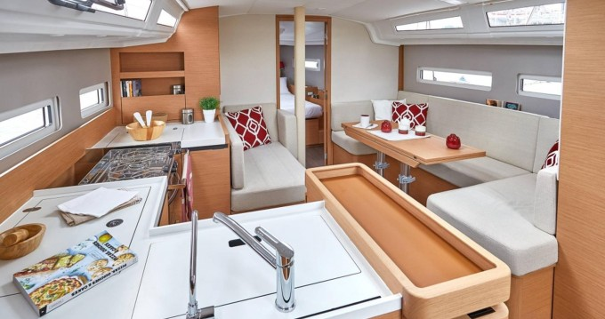 Bootverhuur Jeanneau Sun Odyssey 410 in Kos via SamBoat