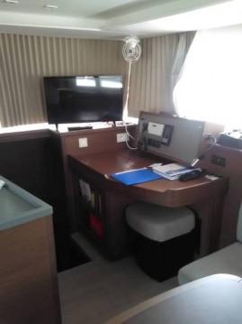 Verhuur Catamaran in Athene - Lagoon Lagoon 450