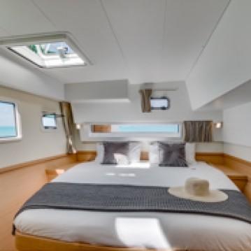 Catamaran te huur in Toúrlos voor de beste prijs
