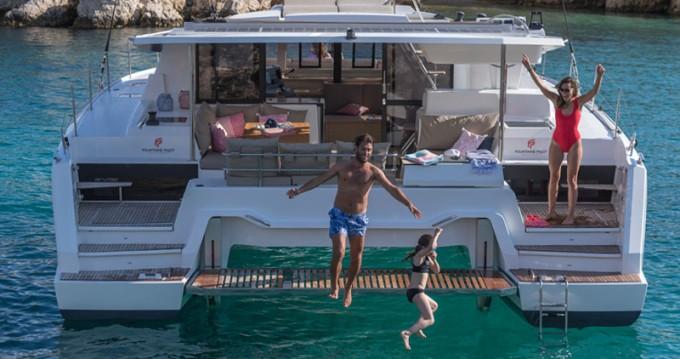 Verhuur Catamaran in Lávrio - Fountaine Pajot Astrea 42