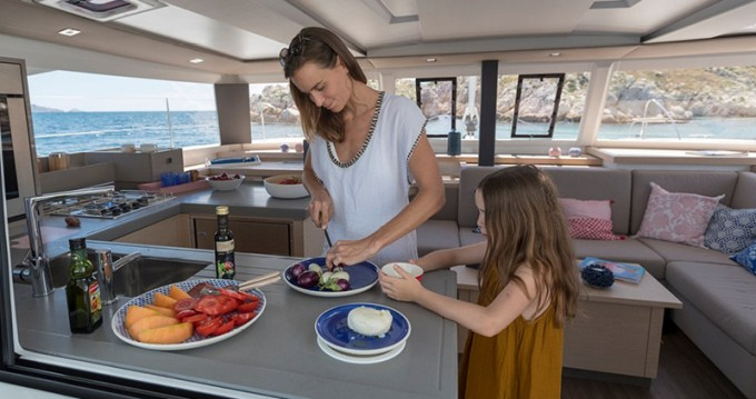 Fountaine Pajot Astrea 42 te huur van particulier of professional in Lávrio