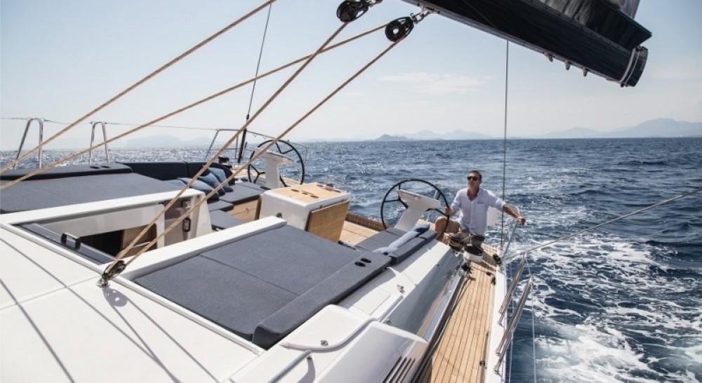Huur een Bénéteau Oceanis 51.1 in Korfoe