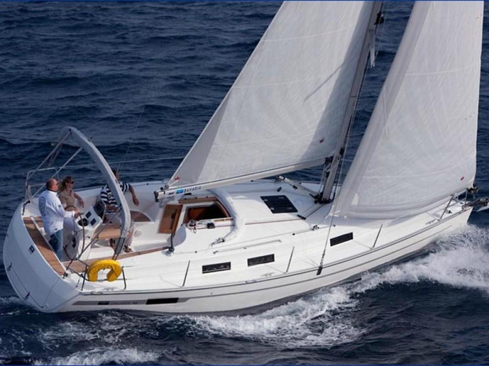 Bootverhuur  goedkoop Bavaria 32 Cruiser