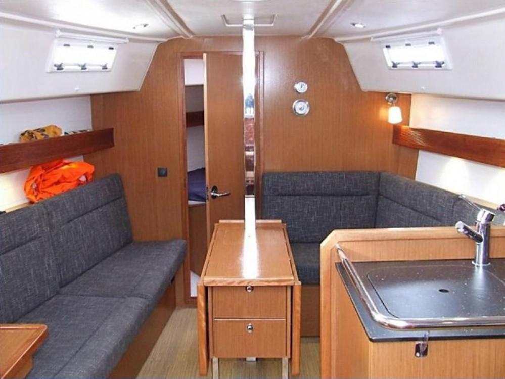 Jachthuur in  - Bavaria Bavaria 32 Cruiser via SamBoat