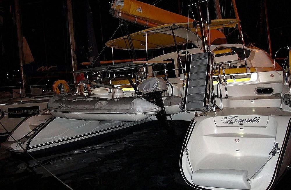 Bootverhuur Fountaine Pajot Lavezzi 40 in Bay of Zea via SamBoat