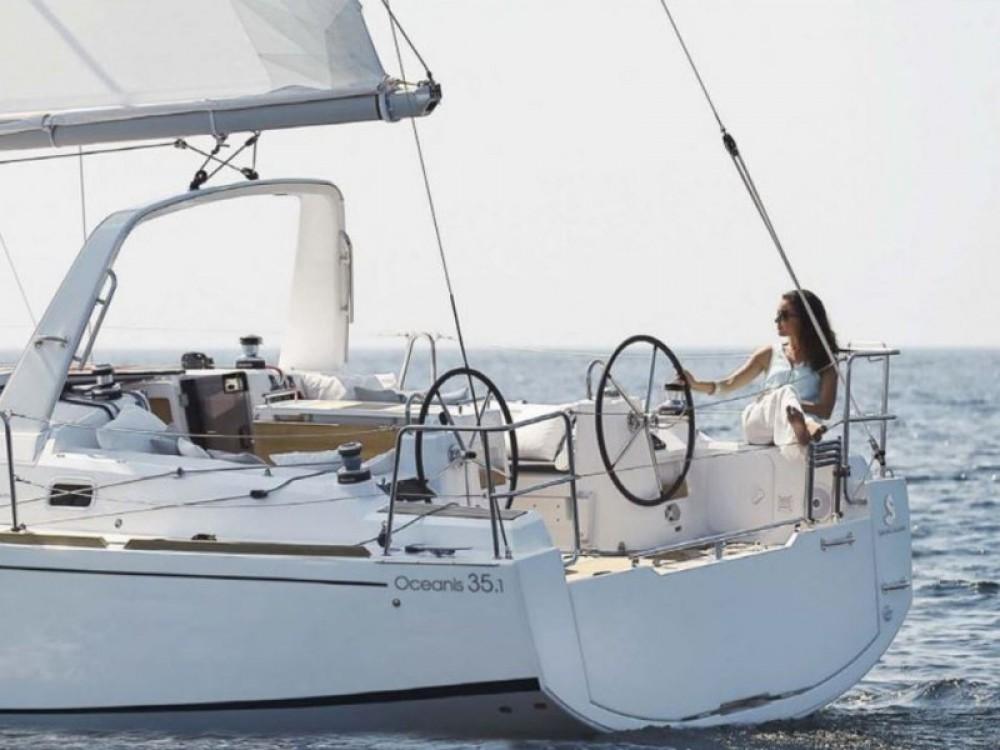 Huur Zeilboot met of zonder schipper Bénéteau in Alzachèna/Arzachena
