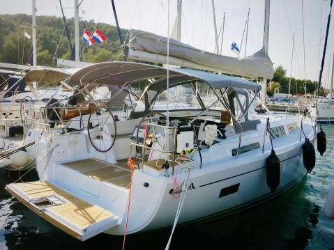Huur Zeilboot met of zonder schipper Hanse in Milna