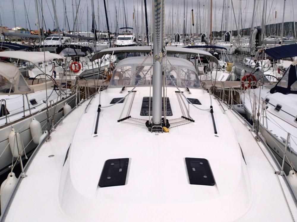 Verhuur Zeilboot in Sukošan - Bavaria Bavaria 45 Cruiser