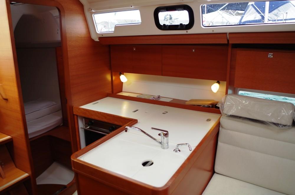 Verhuur Zeilboot in Sukošan - Dufour Dufour 350 GL
