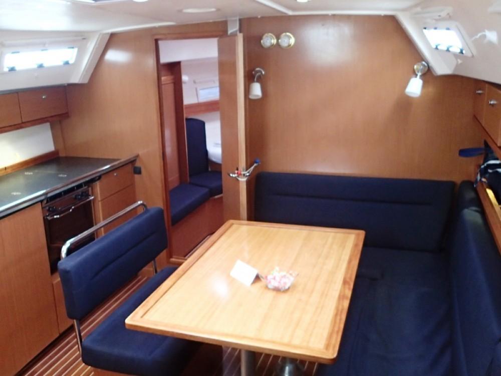 Bootverhuur Sukošan goedkoop Bavaria 40 Cruiser