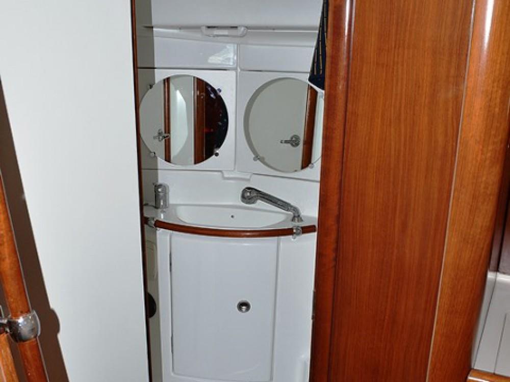 Verhuur Zeilboot in Sukošan - Bénéteau Oceanis Clipper 423