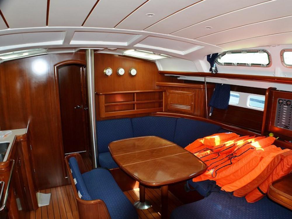 Bénéteau Oceanis Clipper 423 te huur van particulier of professional in Sukošan