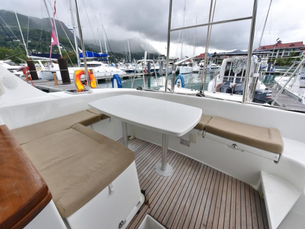 Huur Catamaran met of zonder schipper Lagoon in Victoria
