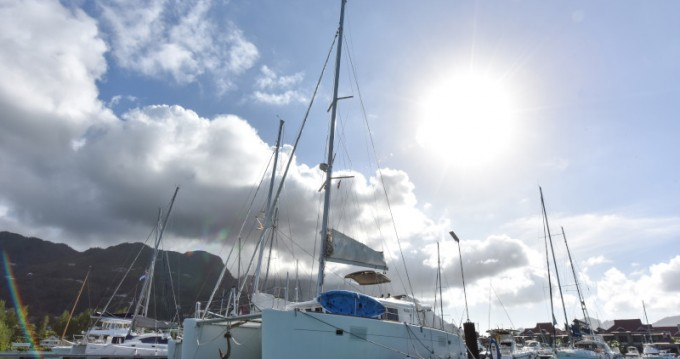 Verhuur Catamaran in Eden Island - Lagoon Lagoon 450