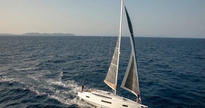 Bootverhuur Jeanneau Sun Odyssey 410 in Lefkada (Island) via SamBoat