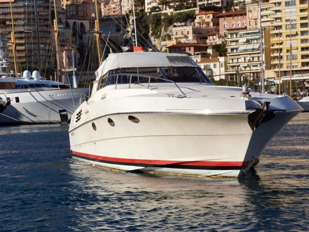 Bootverhuur Marina di Portisco goedkoop Riva 50