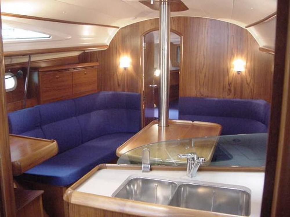 Jachthuur in Marina de Alimos - Jeanneau Sun Odyssey 35 via SamBoat