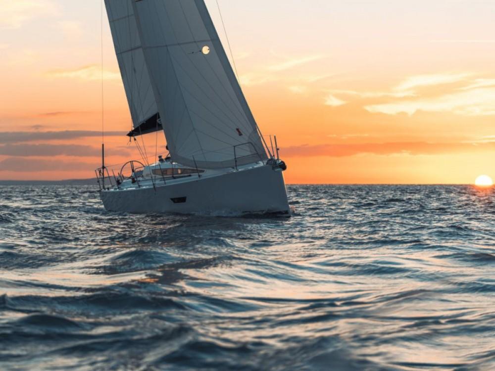 Zeilboot te huur in Marina Pirovac voor de beste prijs