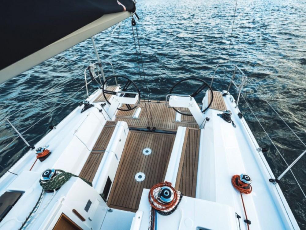 Huur Zeilboot met of zonder schipper Elan in Marina Pirovac
