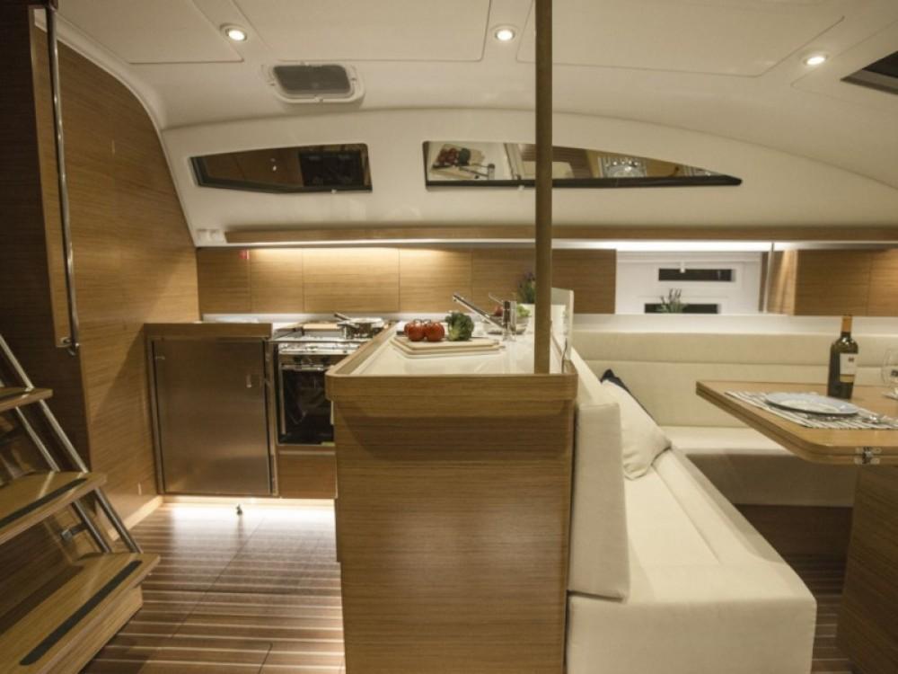 Bootverhuur Elan Elan 45 Impression - 4 cabin version in Marina Pirovac via SamBoat