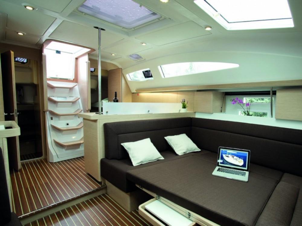 Elan Elan 45 Impression - 4 cabin version te huur van particulier of professional in Marina Pirovac