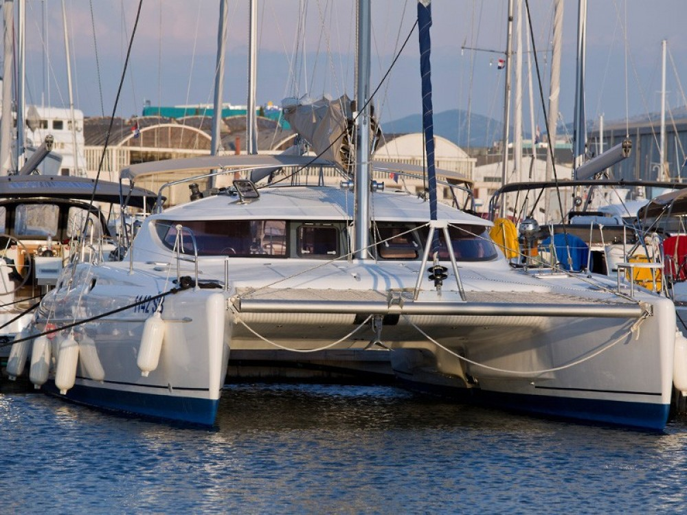 Jachthuur in Krk - Fountaine Pajot Athena 38 (4+2 cab) via SamBoat