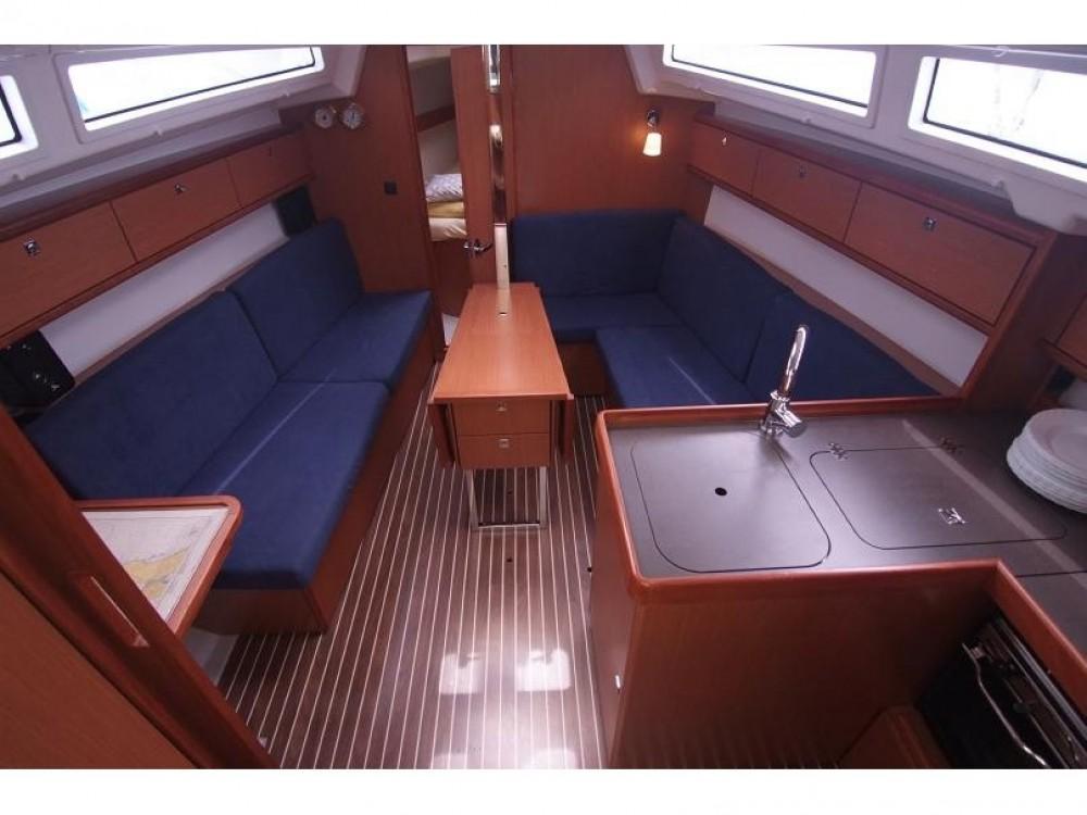 Bootverhuur Bavaria Bavaria Cruiser 33 in Krk via SamBoat