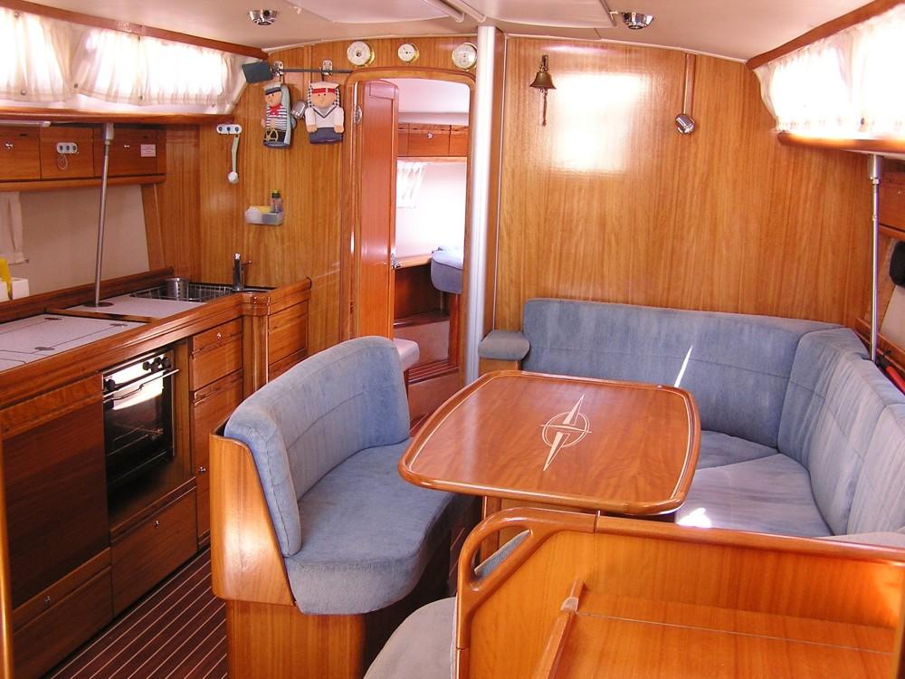 Bootverhuur Bavaria Bavaria 40 Cruiser in Leucade via SamBoat