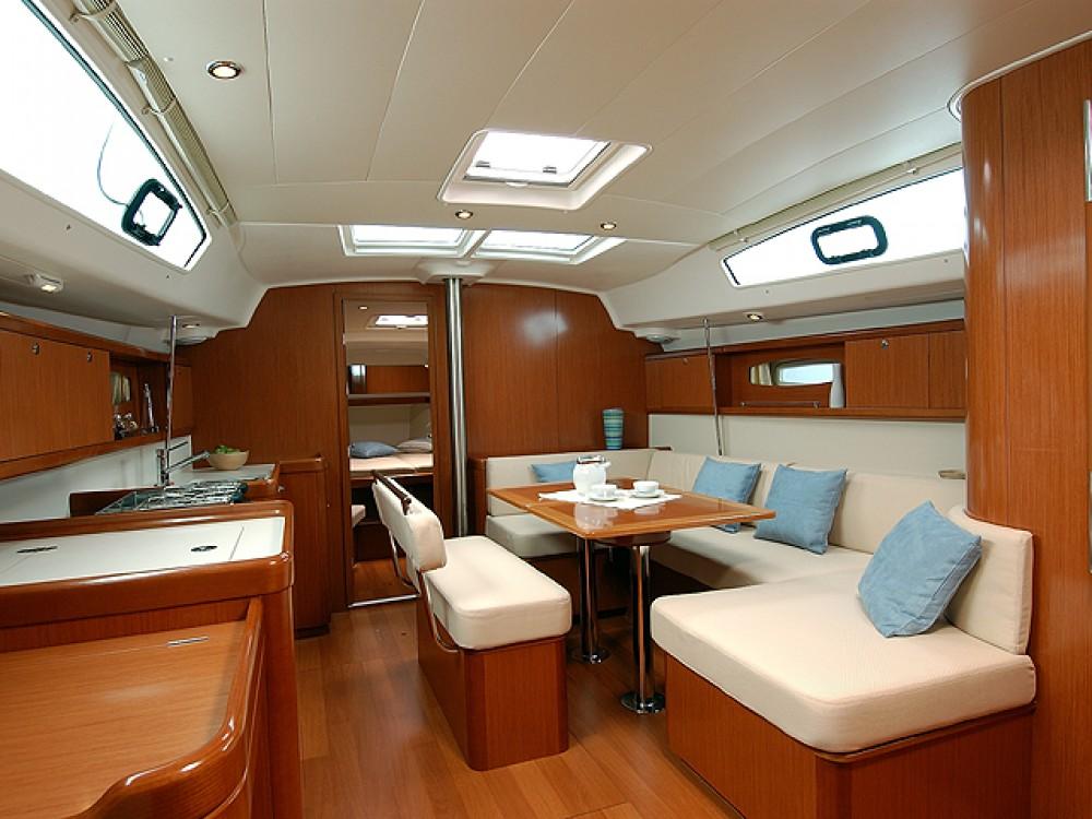 Bootverhuur Bénéteau Beneteau Oceanis 43  in Murter via SamBoat