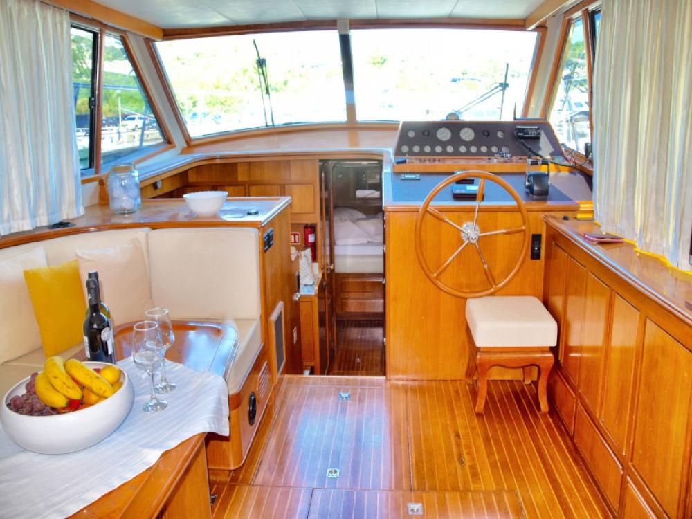 Huur Motorboot met of zonder schipper Yaretti in Primošten