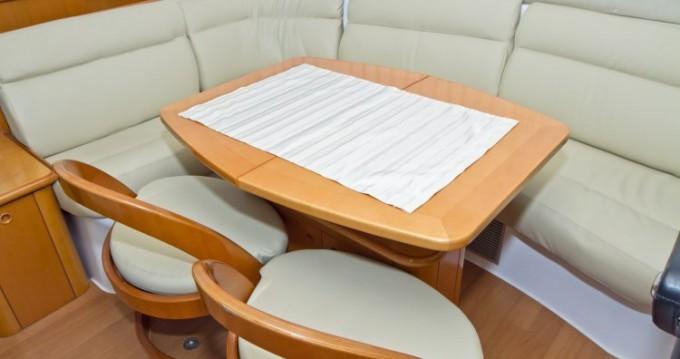 Catamaran te huur in Primošten voor de beste prijs